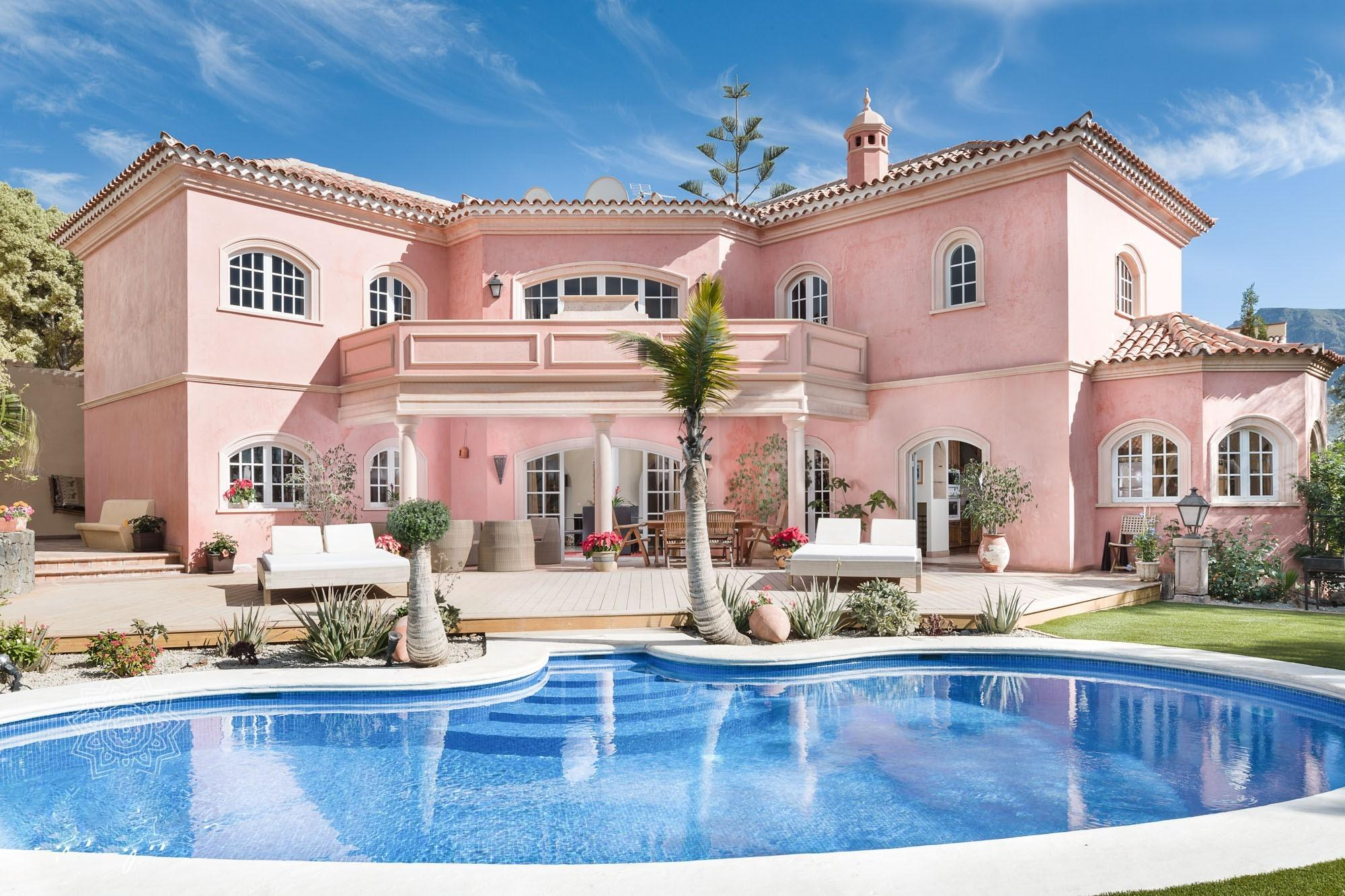 Casa Castle - luxury 4 bed, with heated pool, Adeje - Tenerife Holiday Homes